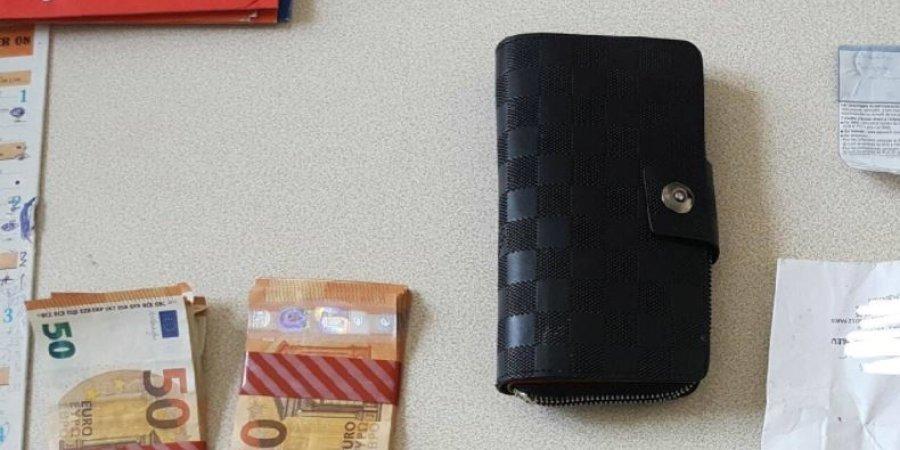 Bon citoyen, il ramène un portefeuilles égaré contenant 4.300 euros à la gendarmerie — Embrun