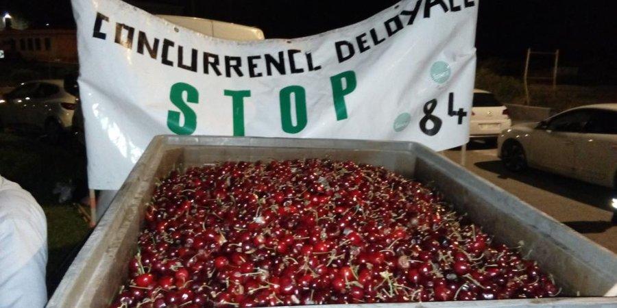 #SauvezLesAgri : les agriculteurs à l'assaut de raffineries