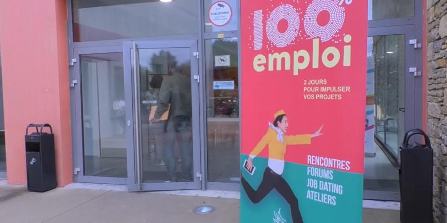 Alpes de haute provence n 39 oubliez pas votre c v les demandeurs d 39 emploi taient au rendez - Pole emploi salon de provence ...