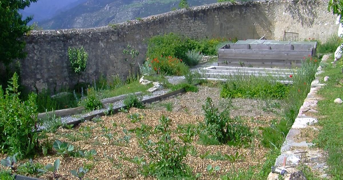 Hautes alpes petit tour au jardin historique de mont for Au jardin de la tour