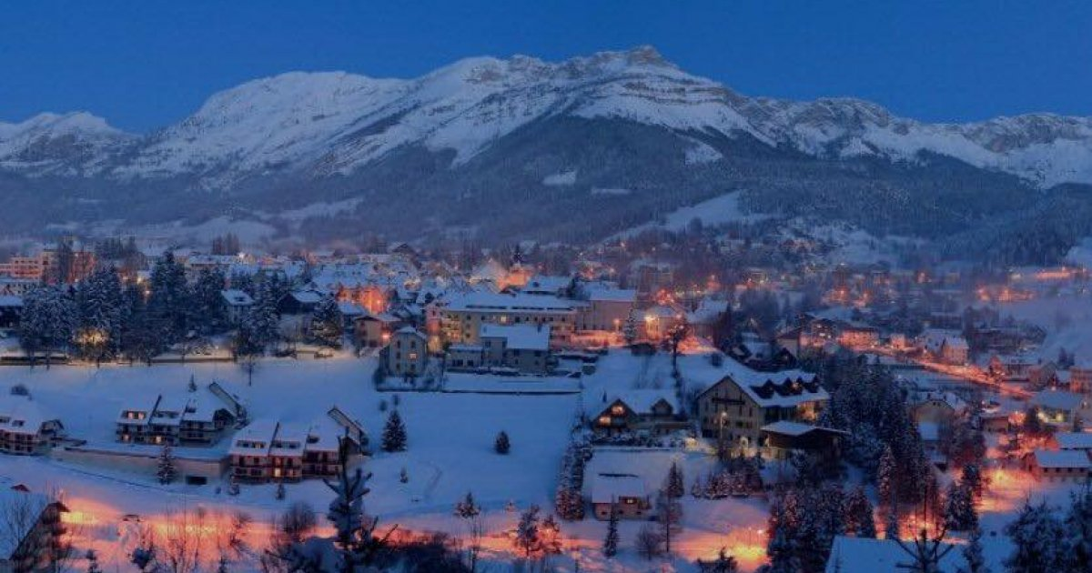 Hautes alpes le directeur de l 39 office de tourisme d - Office de tourisme de villard de lans ...