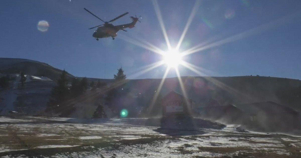 Alpes de Haute-Provence : un hélicoptère Super Puma pour installer le nouveau télésiège pour la station de Chabanon